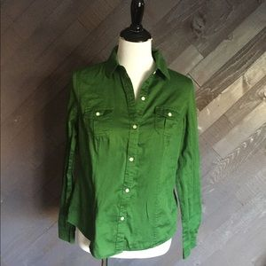 Old Navy Green Button Down Shirt 💚💚💚